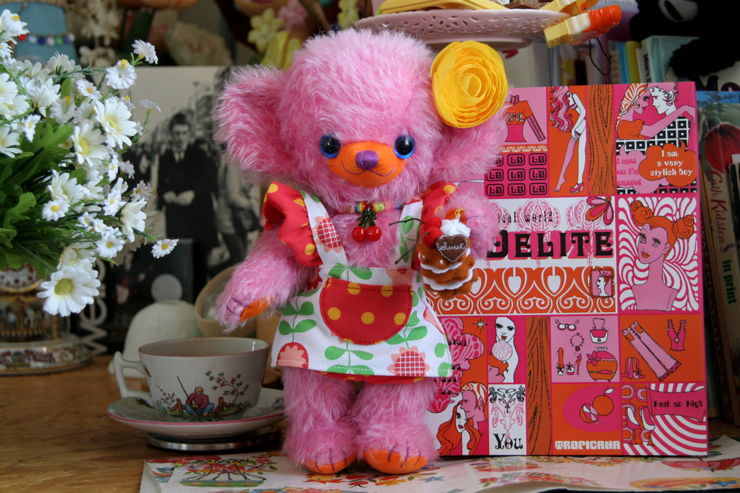 "Merrythought Teddy Bear + my book ""Of Delite"""